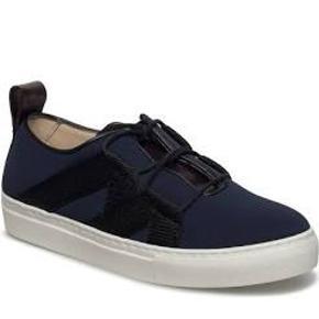 By Malene Birger sneakers - model: lakana i sort !!  Str. 37  Brugt men fremstår i fin stand.  Nypris: 1799 Mindstepris: 300kr  Bytter ikke og køber betaler porto + gebyr