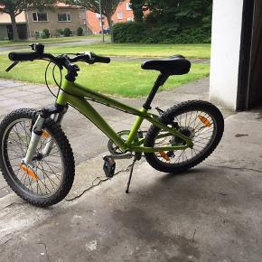 20 tommer cykel sælges. Rigtig fin stand men trænger til ny støttefod