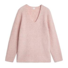 Beautiful pink mohair wool sweater by Arket. I purchased it from another and it's a bit longer than what I wanted.  It's a pretty pink feminine color.    #30dayssellout