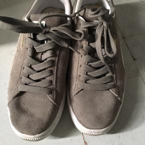 Puma sko, stadigt pæne og brugbare. Mindstepris 70 kr pp.