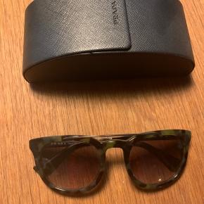 Brillerne skal have nye glas - derfor den skarpe pris. Ellers fine - etui medfølger.
