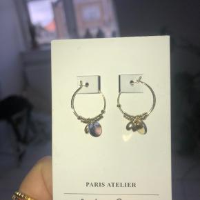 Sælger disse fine øreringe fra & Other Stories ✨✨ Jeg har aldrig brugt dem