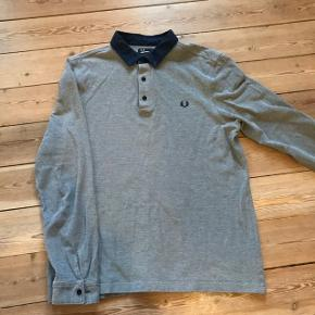 Fred Perry, Large.