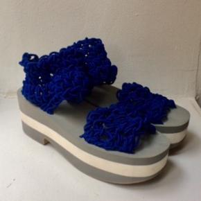 Arielle de pinto x LVMM sandaler. Kun prøvet på et par gange