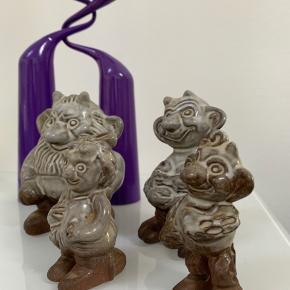 Flotte bornholmske keramiktrolde af Michael Andersen. Alle fire sælges for 250kr og en stor for 80 og en lille for 60kr