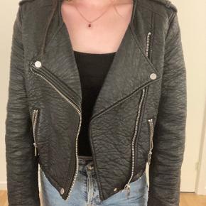 Faux læderjakke fra H&M