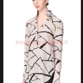 Smuk Malene Birger juxus  silke skjorte sælges.