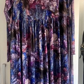 Nümph kjole