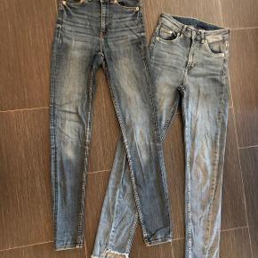eg har ryddet ud i klædeskabet og fundet en masse flotte ting som sælges billigt, finder du flere ting, giver jeg gerne et godt tilbud..............   Nye flotte jeans - Slim fit modeller Blød elastisk kvalitet og aldrig brugt - kun vasket Monki str 24  Livvidde 2x 31 cm Længde 102 cm Nypris 349kr.  H&M Dinim str 26 Livvidde 2x 31 cm Længde 99 cm Nypris 299 kr.  Sendes med  DAO