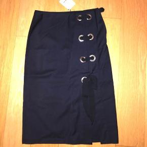 Aldrig brugt trendy nederdel