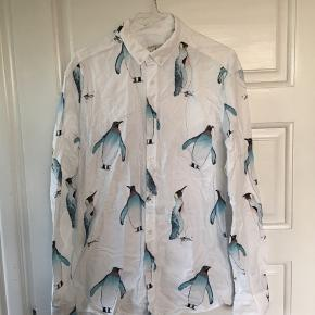 Skjorte fra Dansk Bomuldskompagni. Brugt en enkelt gang. Nypris: 350kr