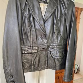 Saki jakke