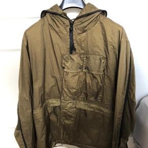 Cp Company x Adidas jakke, brugt 3-4 gange, har bøjle og tags der hørte med Mp 2000 Bin 2500