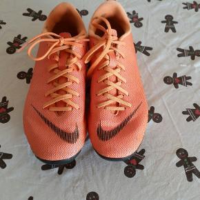 Lækker Nike fodbold støvler sægles