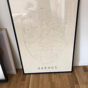 Aarhus plakat   Måler 70x100  Rammet ind professionelt i sort træramme