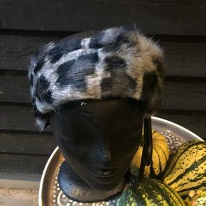 Unika pandebånd  Blød kanin med fleece foer  Elastik i bag for super pasform  Kun 150kr pp