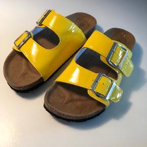 Name it sandaler