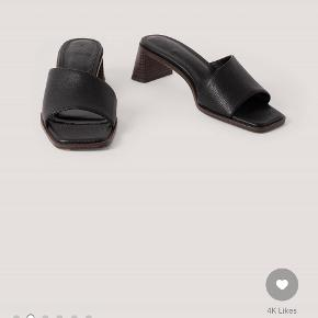 Na-kd heels
