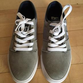 DC Shoes sneakers