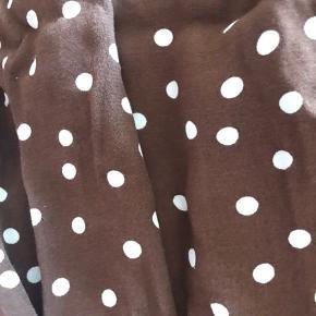 Vildt fede bukser fra zara, som jeg desværre ikke kan passe. Skriv for flere billeder🌅