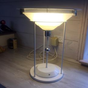 Unik bordlampe fra 70'erne. Højde 46 cm - mener det er svensk design fra Belid
