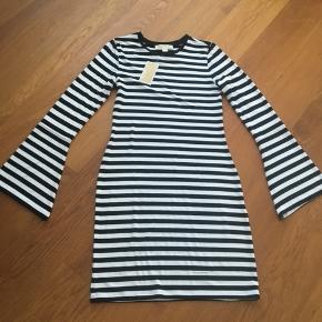 Helt ny  super lækre kjole sælges billig  Svendborg/  ellers sender også gerne