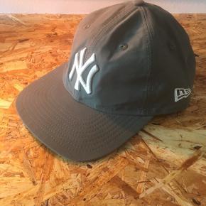 New Era cap - New York Yankees Vandtæt og foldbar Aldrig brugt  Kom med et bud eller check resten af mine annoncer - jeg giver mængderabat 😊