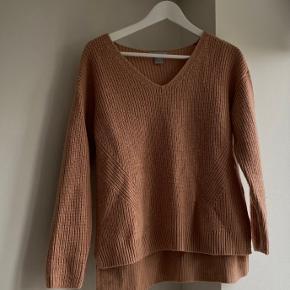 Fin sweater fra h&m som jeg desværre ikke har fået brugt ✨