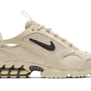 Nike X Stussy Air Zoom Spiridon Cage 2.  Fossil / Black.  Brand new.  UK 5.  Ingen boks.   Byd gerne.
