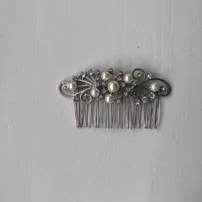 Hårkam/ håropsætter fra glitter med perler Aldrig brugt