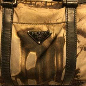 Prada taske med dustbag :-)