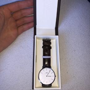 Sælger dette Daniel Wellington ur da jeg ikke bruger det længere. Det fejler intet.