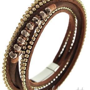 Vikle armbånd med brune sten og perler Magnetlukning  Indvendig omkreds: 16 cm  PRISER ER INKL. LEVERING I DK  ¤¤¤ PRISEN ER FAST ¤¤¤