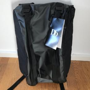 Douchebag taske aldrig brugt, The Base 15 L
