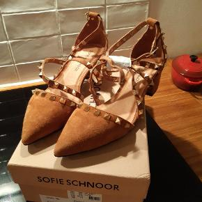 Sofie Schnoor stiletter