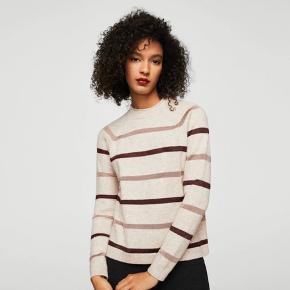Super fin sweater fra mango, fejler intet