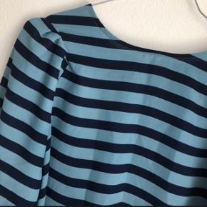 Sød bluse, er som ny :)