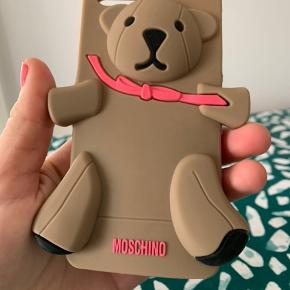 Moschino cover iPhone 4