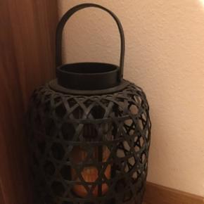 Grand bougeoir noir .Magnifique décoration