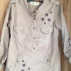 Super lækker skjorte str. S. Fra Plus Fine og med mange detaljer.  #sundaysellout