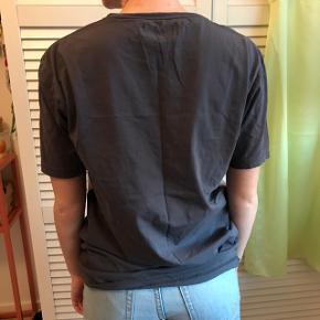 Fed retro oversized t-shirt fra ASOS Men. Fitter xs-m  Byd endelig :)