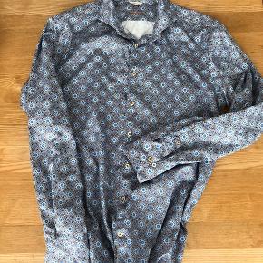 Flot skjorte fra Stenströms fitted body fremstår som ny