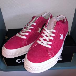 Converse One Star-vintage sneakers Pink (udsolgt på Farfetch) Str 43 Alt OG Cond DSWT Mp 400 (budt) Hh 650 kr + fragt
