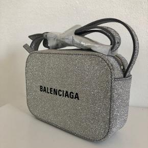Brand NEW glittery Balenciaga bag with new pattern. Nicer than in the website pictures :)