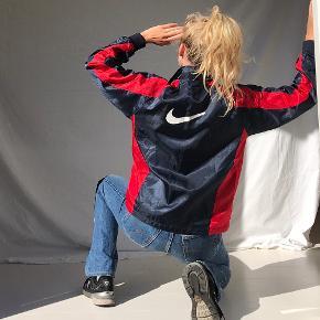 Cool Nike retro trøje. Fitter Xs/S 🌸