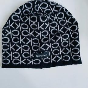 Calvin Klein hue & hat
