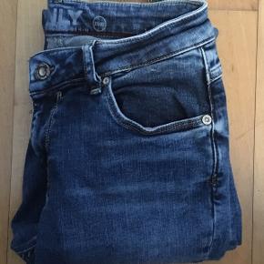 Jeans str 27/32 (small). Brugt 1 gang