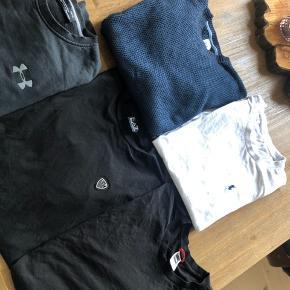 Lækre trøjer. Sælges samlet for 500kr.  De fleste af trøjerne er stort set ikke brugt.  Kun Under Armour trøjen er brugt nogle flere gange
