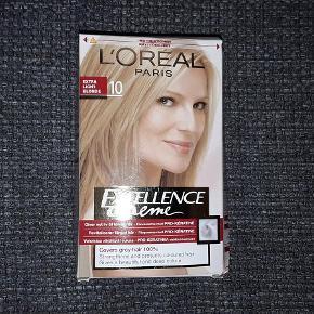 Brand: LÓréal Varetype: LÓréal Excellence Creme farve 10 Størrelse: Lille Farve: - Oprindelig købspris: 89 kr.  Farve 10 = Ekstra Light Blonde