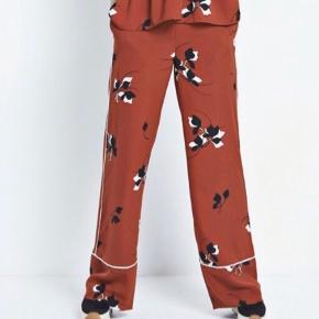 Smukke bukser fra Envii. Aldrig brugt. Byd💖